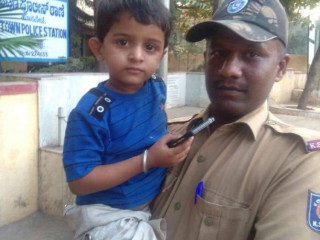 Found 3 years old boy at ksrtc bustand Hosapete