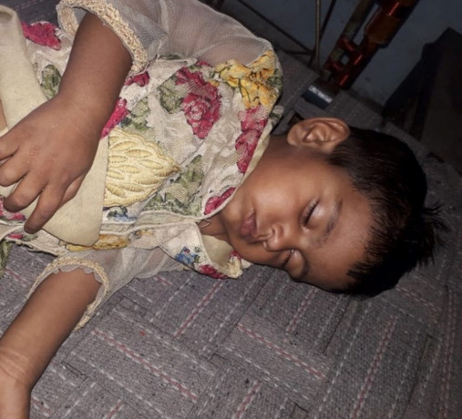 female-kid-found-near-gandhi-chowk-big-0