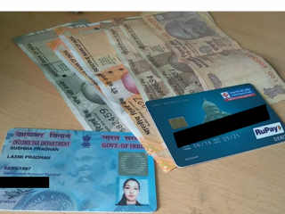 Wallet found with money and documents