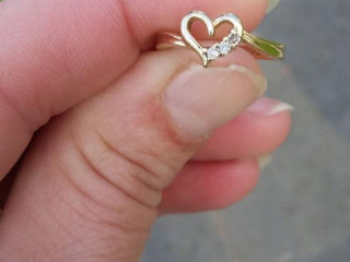 Lost ring at Gen.Mitchell Airport, Milwaukee